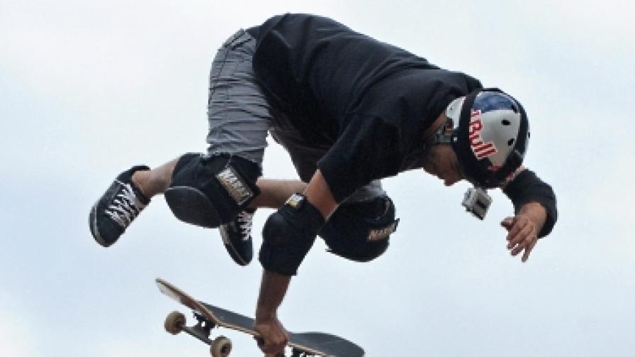 Със 130 км/ч на скейтборд с рекорд на Гинес