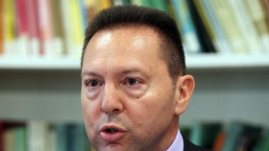 Планът на новия финансов министър Стурнарас за спасяването на Гърция