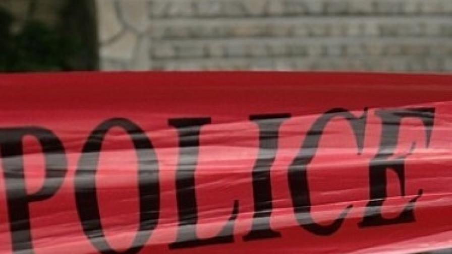 """Взрив пред офис на """"Евророма"""" в Сандански, мъж е с опасност за живота"""