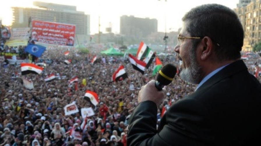 Първият избран президент на Египет положи клетва