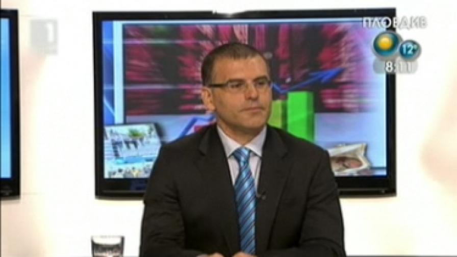 Критиците на Симеон Дянков го поздравили за облигациите