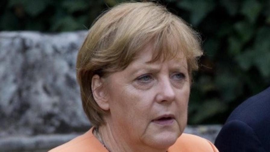 Оланд: Меркел е силна, но не и сложна личност