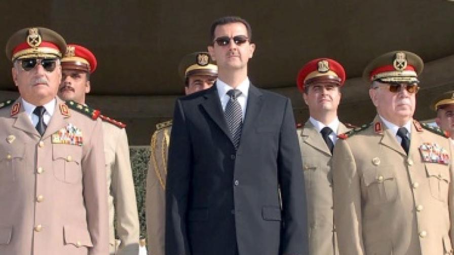 Башар Асад се появи публично