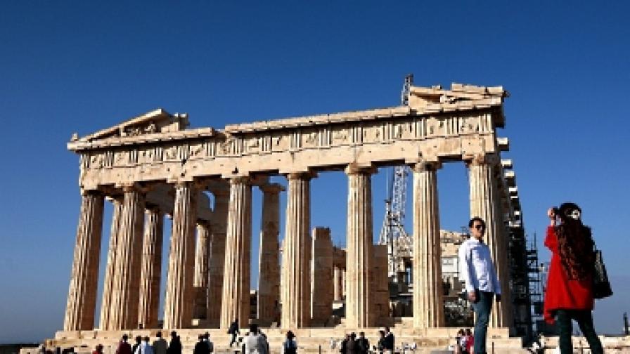 Германско списание дава указания на туристи в Гърция, в случай че страната фалира