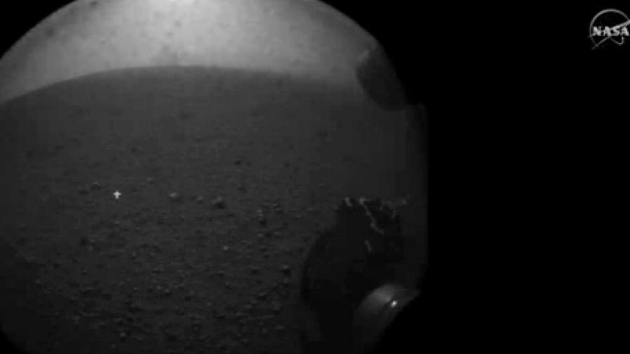 Роботът на НАСА кацна на Марс!
