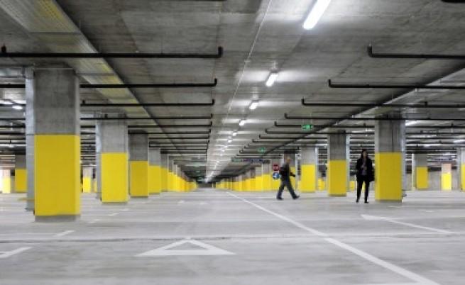 От септември три нови паркинга около метрото