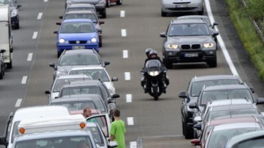 Автомобили: Wi-Fi за повече сигурност