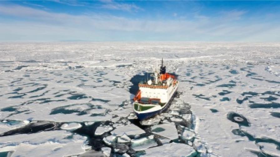 Арктическият морски лед с рекордно ниско ниво