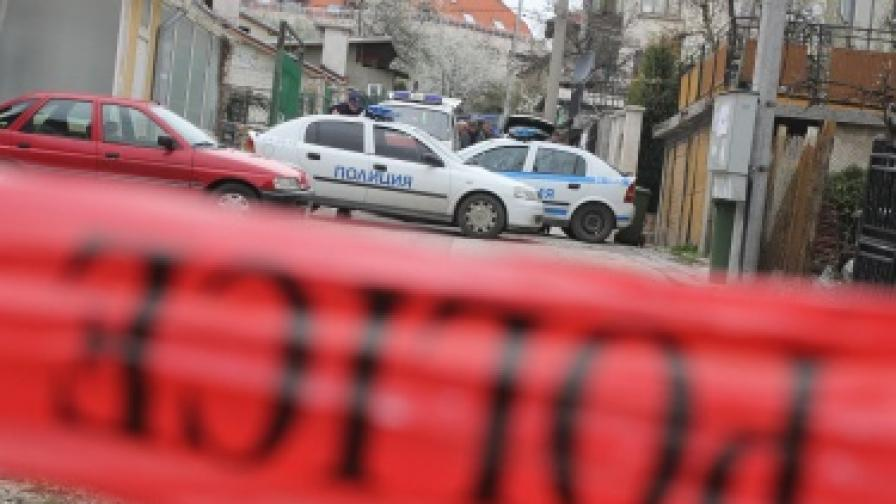 Двама полицаи пострадаха при побой в Димитровград