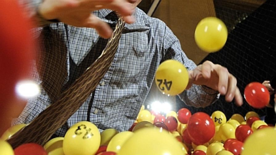 Милионер от лотария трябва да даде близо 2/3 от парите на данъчните