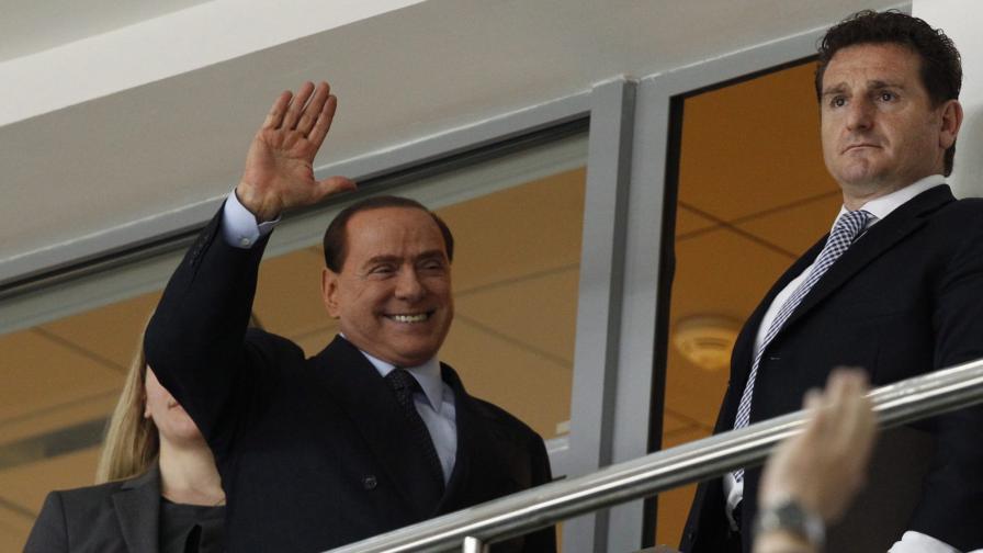 Берлускони тръгва на круиз към политиката
