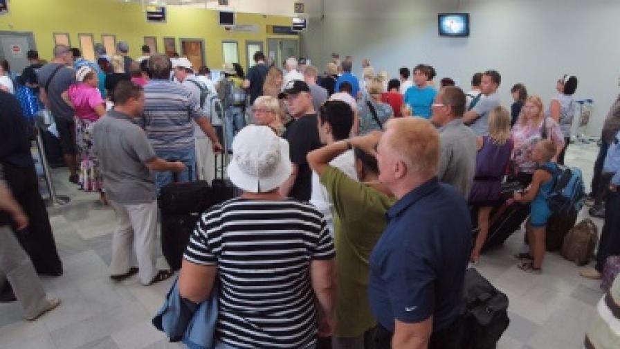 Руски туроператор фалира. Близо 300 клиенти руснаци почиват в България