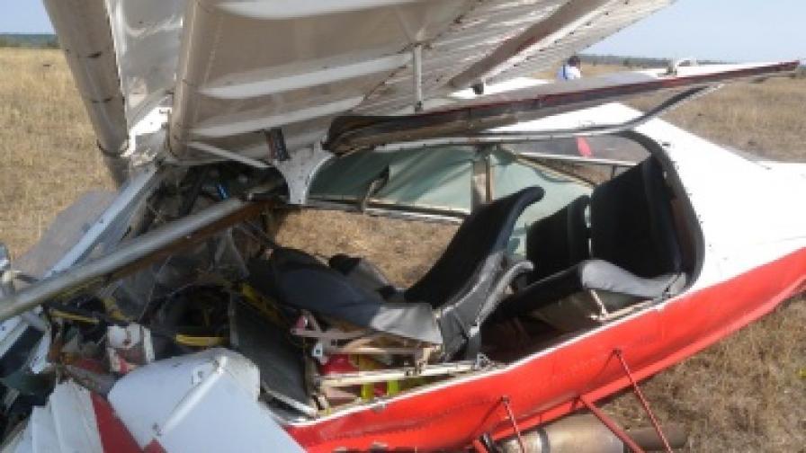 Малък самолет се разби в Шумен, двама пострадаха