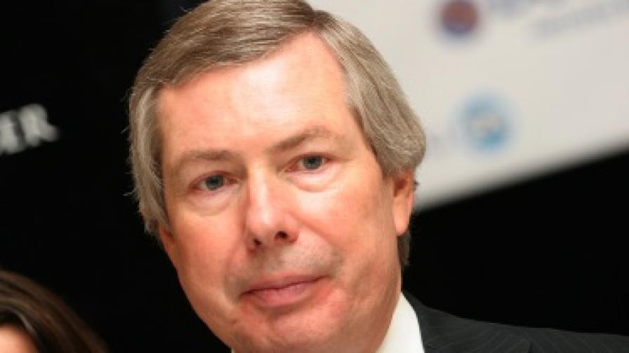 Посланик Уорлик: Има тайни договори за природния газ