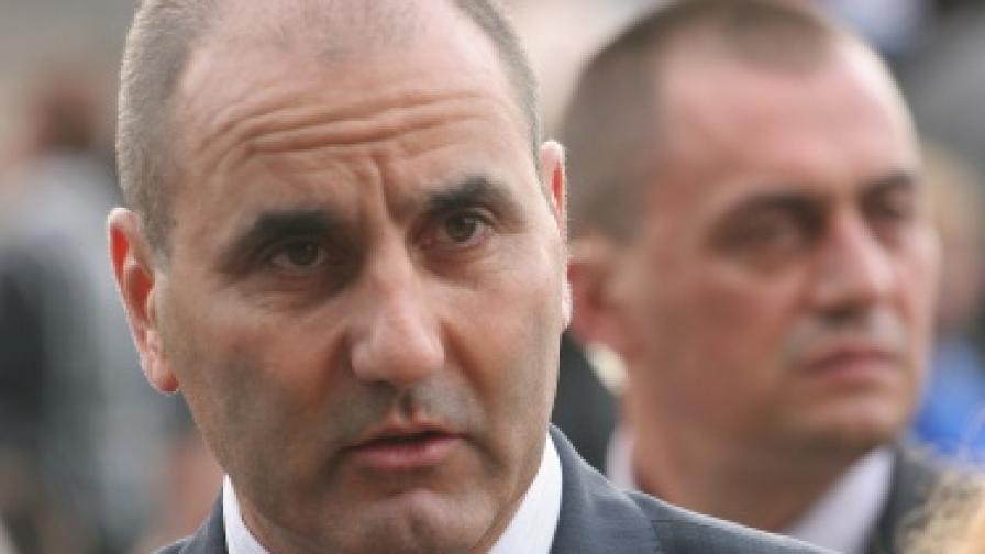 Цветанов: Задържаните служители са се облагодетелствали с огромни суми