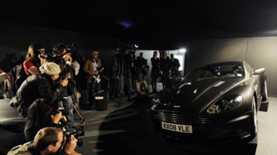 """Спортният автомобил """"Астън Мартин"""" бе продаден за рекордните близо 400 хил. долара"""