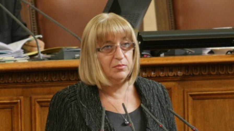 "Цачева: Ще гласувам ""за"" АЕЦ ""Белене"" на референдума"