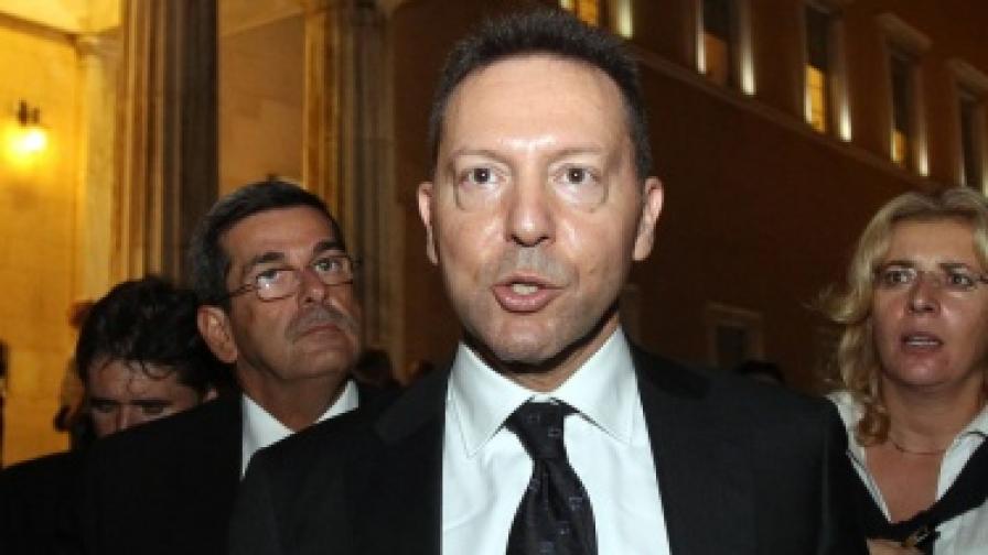 Гръцкият финансов министър Янис Стурнарас