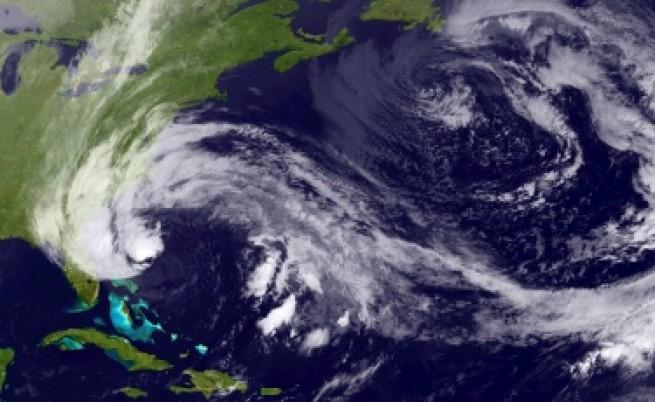 Ураганът Санди може да стане изключително разрушителен