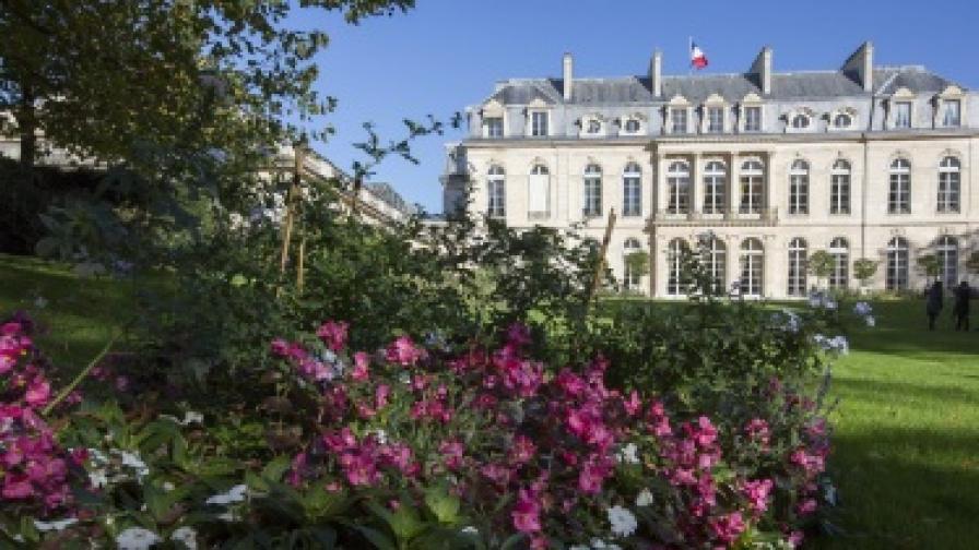 Оланд отвори градините на Елисейския дворец за посетители