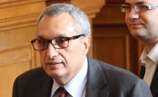 Костов: Получих втори сигнал срещу Марковска