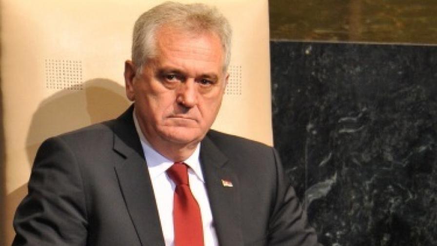 Пътен инцидент със сръбския президент