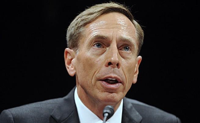 Шефът на ЦРУ подаде оставка заради извънбрачна връзка
