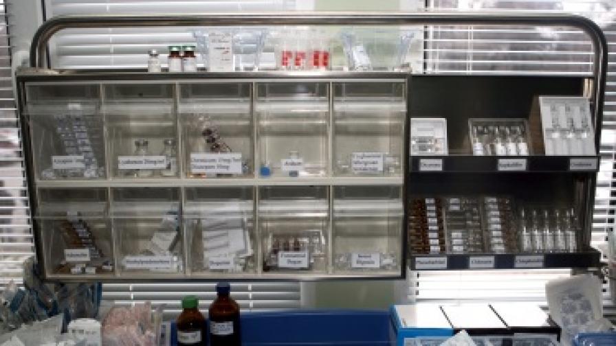 Арестуваха трима, докато обирали аптека