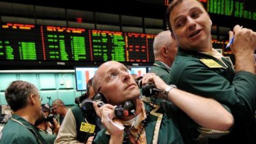 Цените на петрола рязко надолу в Ню Йорк