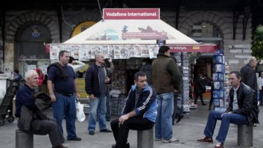След 12 ч. преговори дадоха още 44 млрд. евро на Гърция