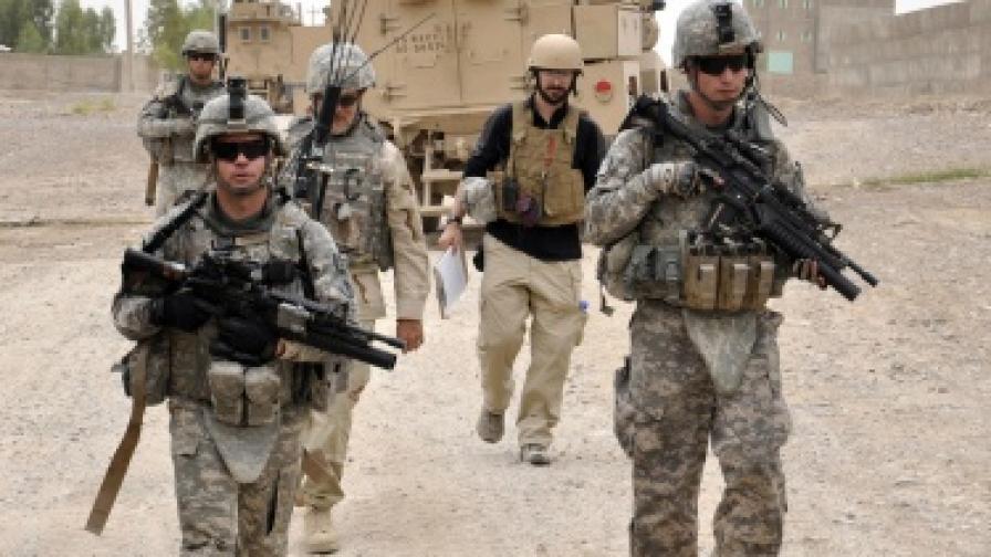 Жени военни съдят САЩ, искали на фронта