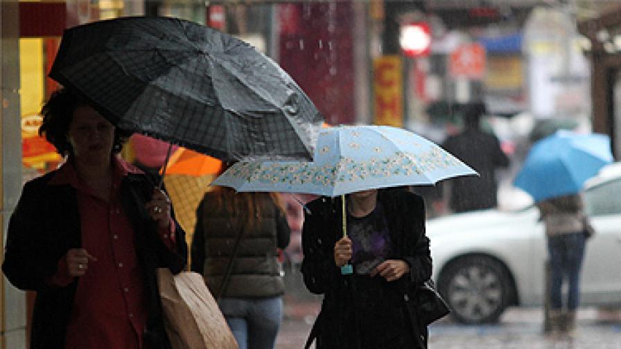 Оранжев и жълт код е обявен заради дъжд и вятър
