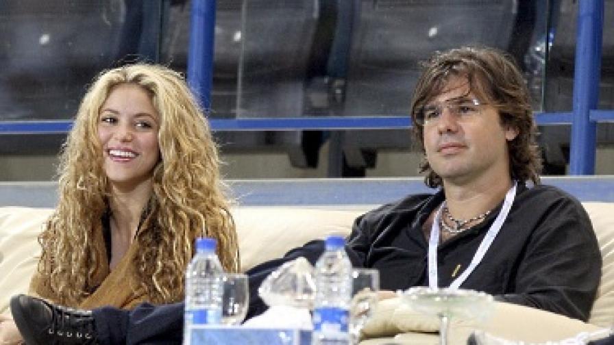 Бившият на Шакира я съди за 100 млн. долара