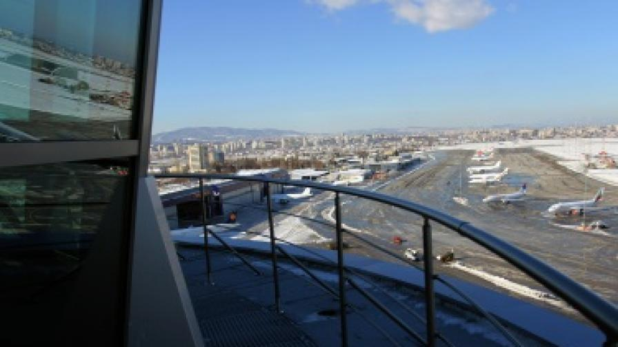 Откриха новата кула на летището в София