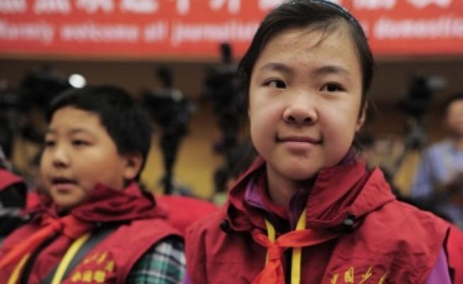 Въоръжен с нож мъж рани 22 деца в основно училище в Китай