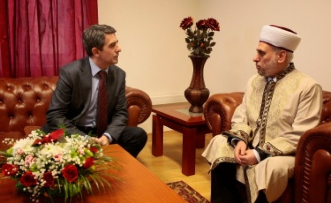 Плевнелиев подкрепя ислямски институт в София