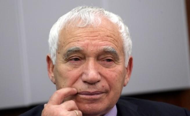 Желю Желев: Трябва да променим позицията си за Македония
