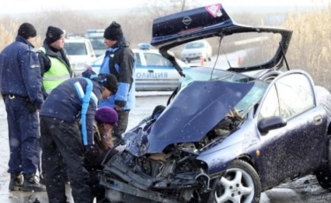 Тежка катастрофа край Варна отне два живота
