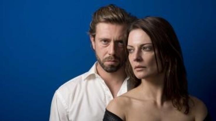 """Красиви звезди в премиера на """"Гарванът"""" в Театър 199"""