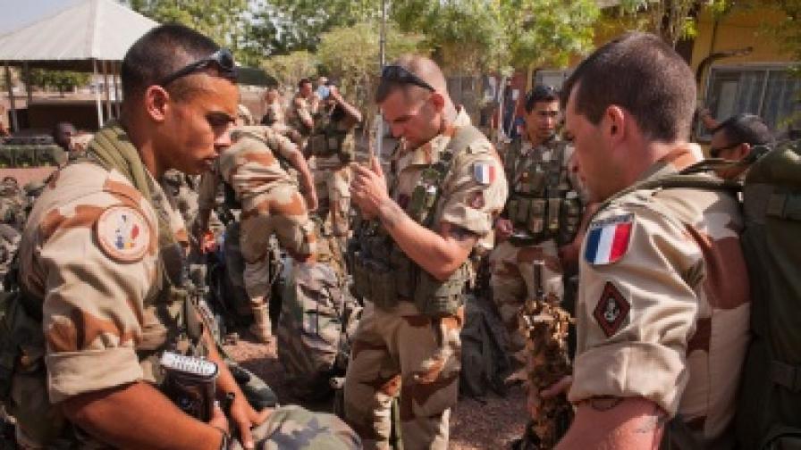 Терористични заплахи срещу Франция след ударите в Мали
