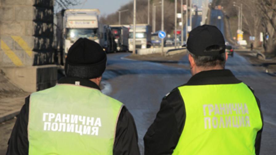 Хероин за половин милион лева задържаха митничарите на Малко Търново