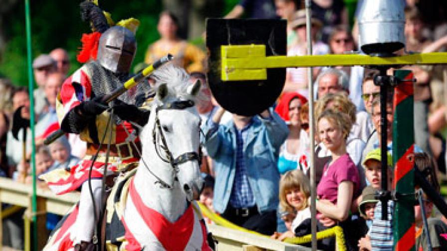 Жените са подозрителни към рицаря на бял кон и с блестящи доспехи