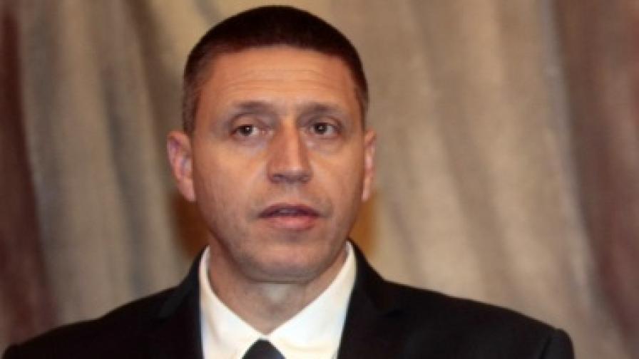 Двама уволнени заради нападението над Ахмед Доган, шефът на НСО отрече да е имал среща с Борисов и Доган
