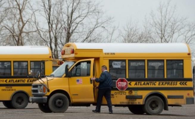 Мъж уби шофьор на училищен автобус и взе дете за заложник в САЩ