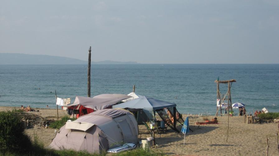 """Плажът """"Корал"""" през 2012"""