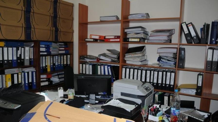 Хванаха двойно счетоводство във фирма в Перник
