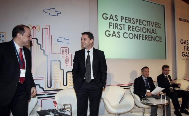 Добрев: Няма причина да отменяме мораториума върху добива на шистов газ