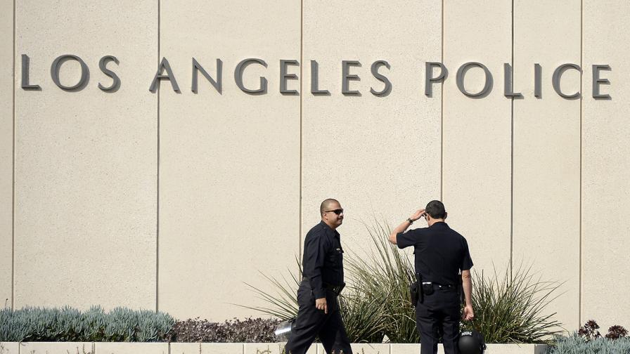 Бивш полицай вилнее из Лос Анджелис