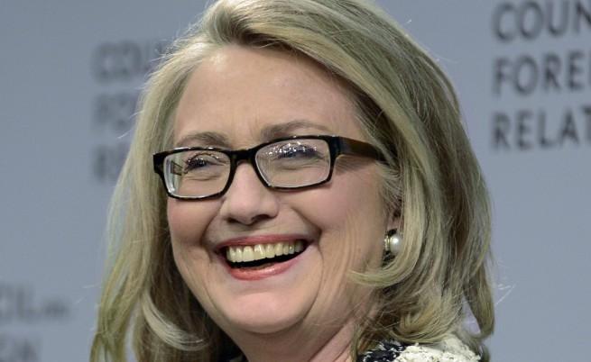 Хилари Клинтън е най-популярният политик в САЩ