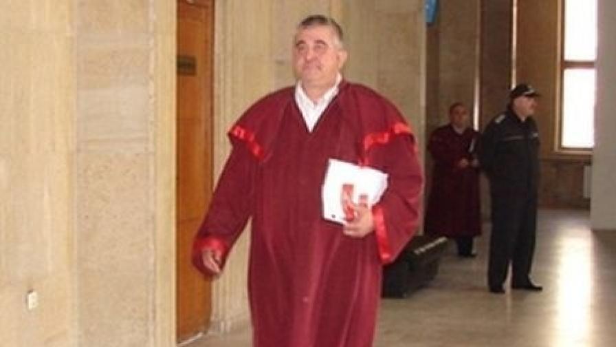 Ангел Георгиев е заместник-ръководител на Бургаската окръжна прокуратура